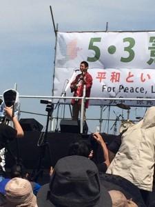 岡大介(カンカラ三線・唄)